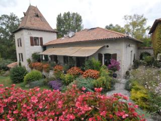 Romantic 1 bedroom Montboyer Bed and Breakfast with Internet Access - Montboyer vacation rentals