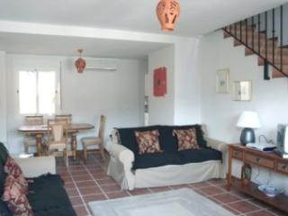 Perfect House with Dishwasher and Parking Space - Albunuelas vacation rentals