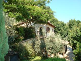 Comfortable 2 bedroom Farmhouse Barn in Castelnuovo di Farfa - Castelnuovo di Farfa vacation rentals