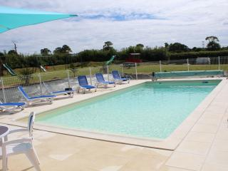 La Mare Chappey Apartment Child friendly complex - Nehou vacation rentals