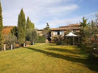Gorgeous House in Gaiole in Chianti with Deck, sleeps 2 - Gaiole in Chianti vacation rentals