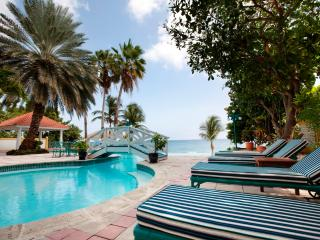 Estate on a beautiful beachfront location with swaying palms and white sand - Caribbean Heaven - Willemstad vacation rentals