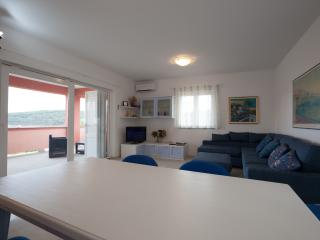 Cozy 2 bedroom Apartment in Kampor - Kampor vacation rentals