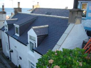 Bright 2 bedroom Gardenstown Cottage with Hair Dryer - Gardenstown vacation rentals