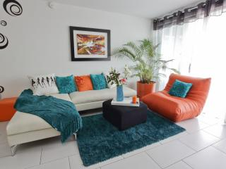 Nice Condo with Internet Access and A/C - San Salvador vacation rentals