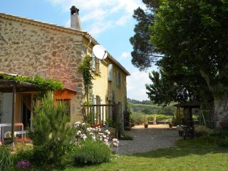 2 bedroom Bed and Breakfast with A/C in Pierrefeu-du-Var - Pierrefeu-du-Var vacation rentals