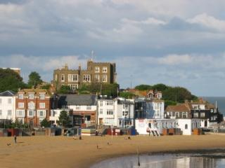 Lovely Condo with Internet Access and Satellite Or Cable TV - Broadstairs vacation rentals