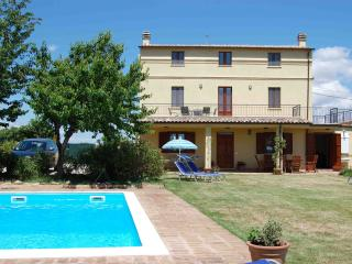Nice Villa with Internet Access and A/C - Castel Frentano vacation rentals