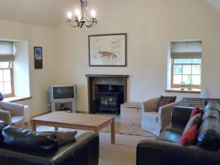 Nice Cottage with Internet Access and Dishwasher - Laurencekirk vacation rentals