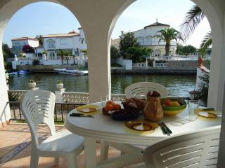 House With Mooring And Garden - A002 / HUTG-011093 - Empuriabrava vacation rentals