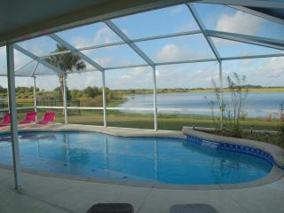Lake View 5 Bed 3 Bathrooms With Private Pool. - Lakeland vacation rentals