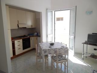 Cozy 2 bedroom Muro Leccese Condo with A/C - Muro Leccese vacation rentals
