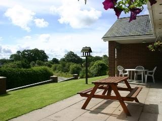 Lovely Bungalow with Internet Access and Dishwasher - Llanyre vacation rentals