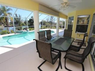 Gorgeous 3 bedroom House in Cape Coral - Cape Coral vacation rentals