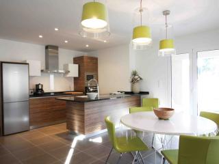 appartement 80M2 avec piscine - Calvi vacation rentals