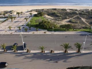 Nice Condo with Dishwasher and A/C - Monte Gordo vacation rentals