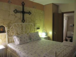 Gorgeous Condo with Internet Access and A/C - Ormos Panagias vacation rentals