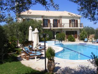 2 bedroom Villa with Internet Access in Kypseli - Kypseli vacation rentals