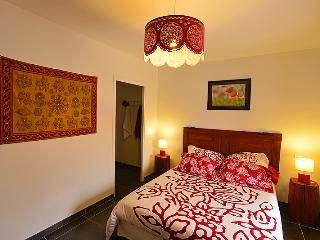 Chambre Pondichery; Le clos des pierres rouges - Le Puy-en Velay vacation rentals