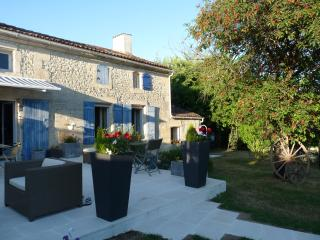 Bright Saint-Savinien vacation B&B with Short Breaks Allowed - Saint-Savinien vacation rentals