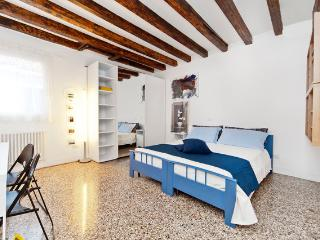 BRIGHT, COMFORTABLE, CANAL VIEW!! - City of Venice vacation rentals