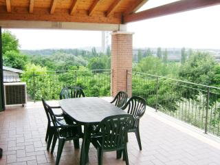 Bright 2 bedroom Valeggio Sul Mincio Townhouse with Internet Access - Valeggio Sul Mincio vacation rentals