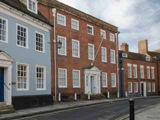 Nice 8 bedroom Chichester House with Internet Access - Chichester vacation rentals