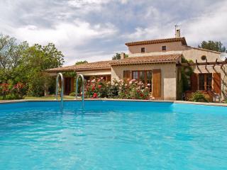 Villa de Provence avec Piscine et Jacuzzi - Les Arcs sur Argens vacation rentals