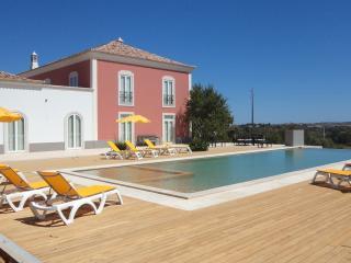 Casa Ataboeira - Guia vacation rentals