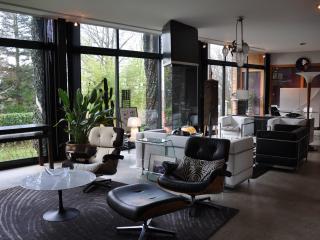 Maison d'architecte en bois, design, de plain-pied - Arzano vacation rentals