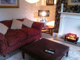 Quick Cottage, Grotton Saddleworth - Manchester vacation rentals
