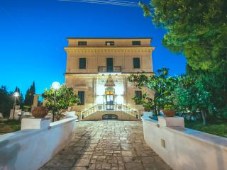 Nice B&B with Internet Access and Central Heating - Bari vacation rentals