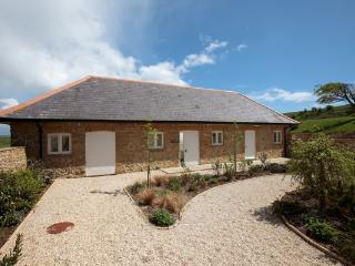 The Cow Byre, Wears Farm, Abbotsbury - Abbotsbury vacation rentals