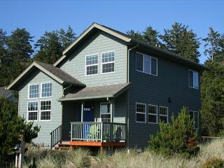 Deb's Italian Retreat- Cute and Cozy in Bayshore - Oregon Coast vacation rentals