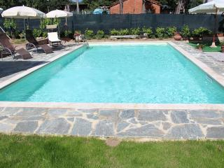 Tuscan Family Apartment with Pool. Gardens and Private Terraces - Castiglion Fiorentino vacation rentals