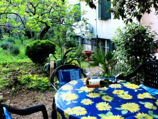 APARTMENT ZUVAN - Split vacation rentals