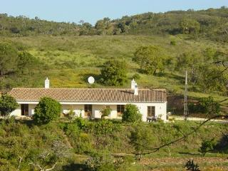 Lovely 2 bedroom Cottage in Bordeira - Bordeira vacation rentals