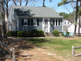 Nice 2 bedroom House in Dennis Port with Deck - Dennis Port vacation rentals