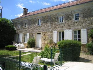 Spacious 5 bedroom Vacation Rental in Maisonnay - Maisonnay vacation rentals