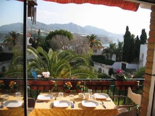 Cozy 2 bedroom Apartment in Nerja with A/C - Nerja vacation rentals
