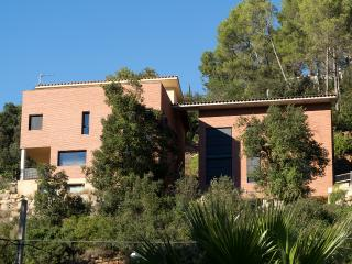 Nice House with Internet Access and Central Heating - Torrelles de Llobregat vacation rentals