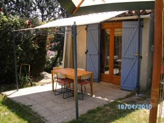 Nice Studio with Internet Access and Satellite Or Cable TV - Saint-Maximin-la-Sainte-Baume vacation rentals