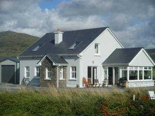 4 bedroom Cottage with Internet Access in Ballydavid - Ballydavid vacation rentals