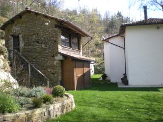 Wonderful 2 bedroom B&B in Canelli - Canelli vacation rentals
