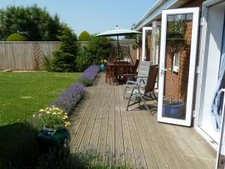 Nice 3 bedroom Sutton-on-Sea Cottage with Internet Access - Sutton-on-Sea vacation rentals