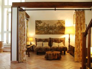 La Casalta: Delightful Tuscan B&B with heated pool, balcony and trampoline - Lucignano vacation rentals