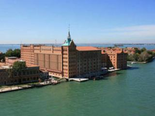Lovely Home (SPA, wife, sat TV, elevator) - City of Venice vacation rentals