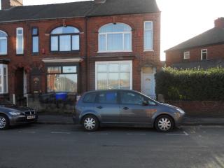 6 Harding Rd, Hanley, Stoke-on-Trent - Stoke-on-Trent vacation rentals