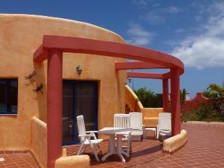 Bright Condo with Internet Access and Television - Corralejo vacation rentals