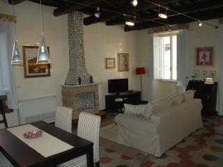 Cozy 1 bedroom Acilia Penthouse with Internet Access - Acilia vacation rentals